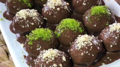 Çikolata Soslu Bisküvili Toplar